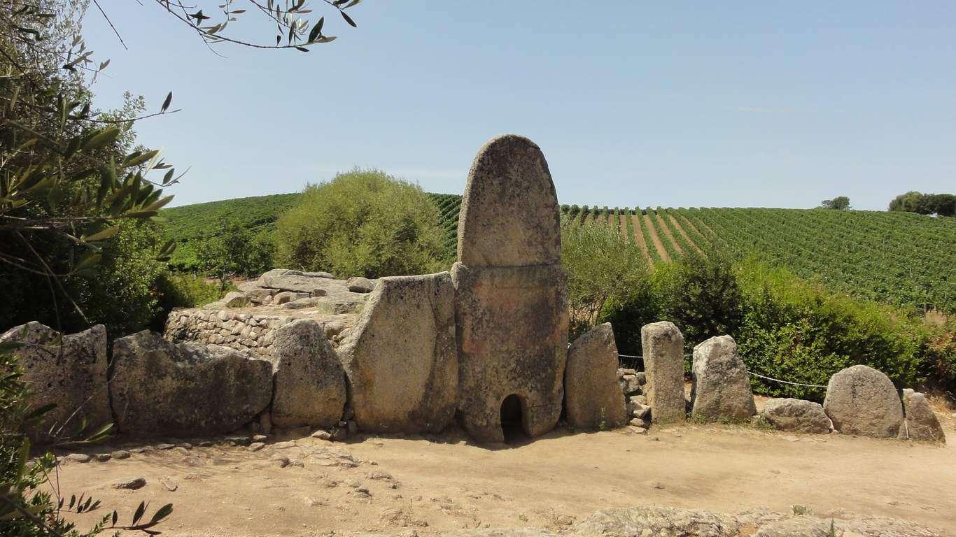 1° giorno - Benvenuti in Sardegna !Arzachena e la Gallura