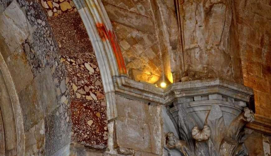 castel del monte colonna