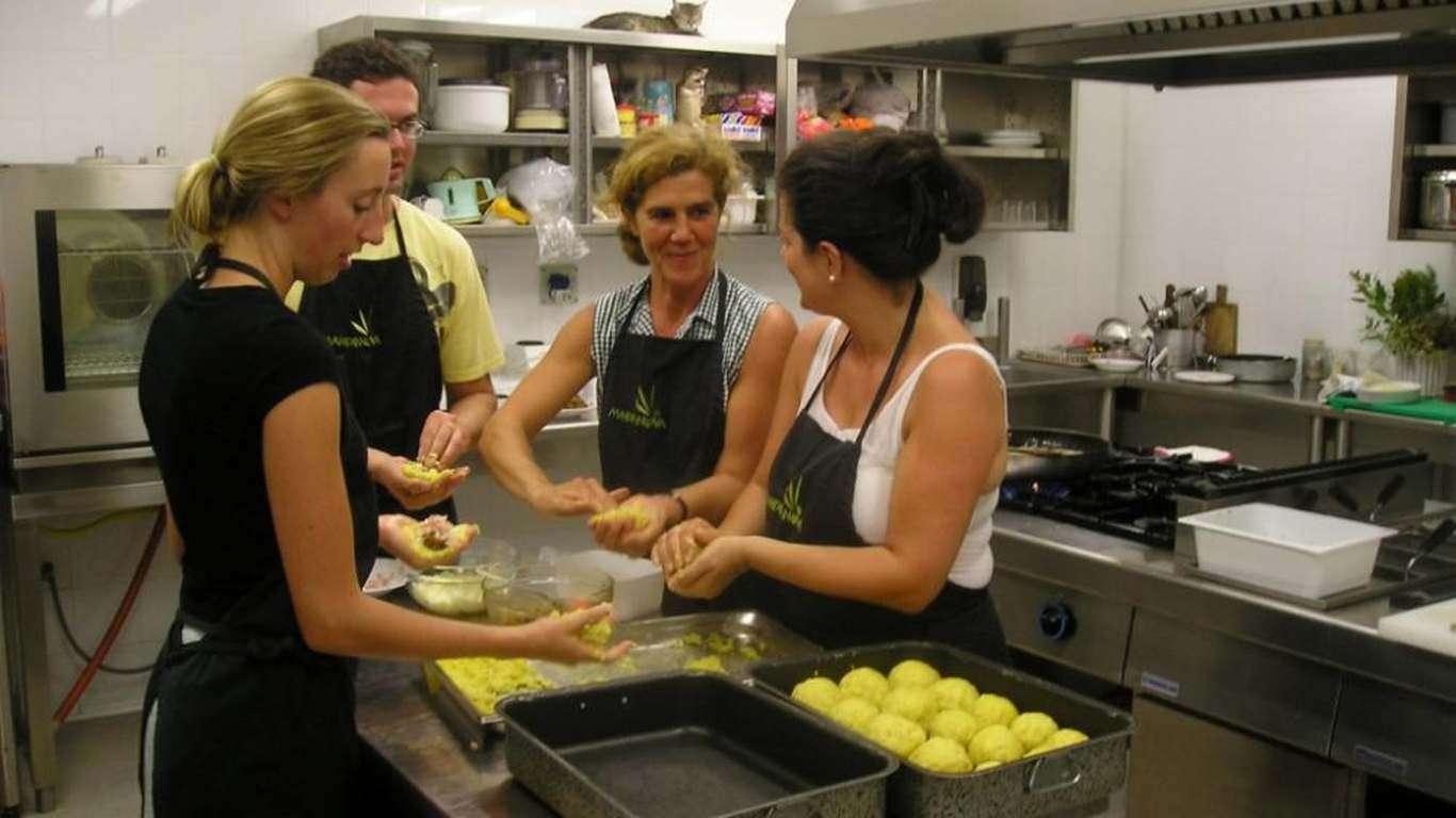 4° giorno - Lezione di cucina Siciliana e l'olio d'oliva